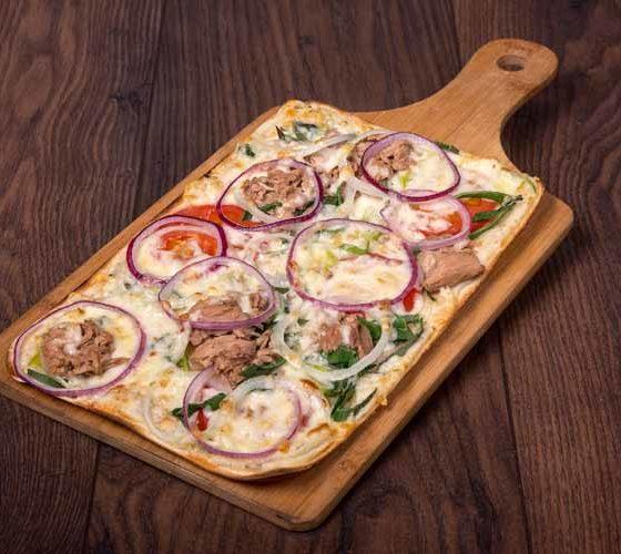 Flammkuchen-Catering: Flammkuchen mit Thunfisch